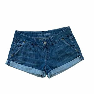 AMERICAN EAGLE Pleat Front Jean Shorts